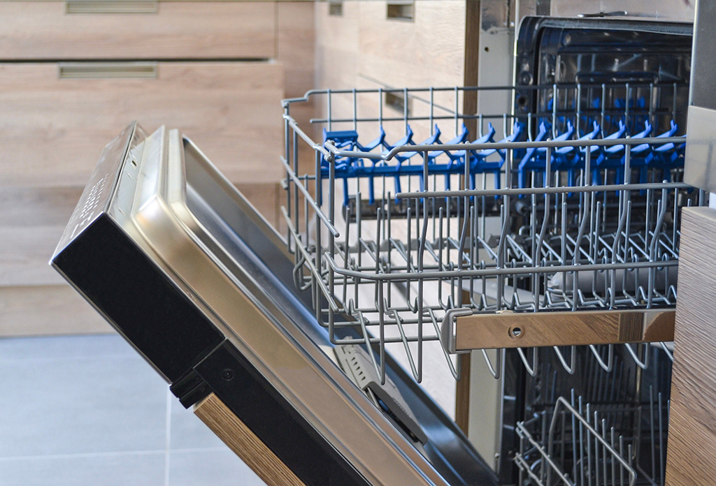 Washing Your Dishwasher: How to Keep it Running Smoothly